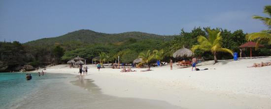 Het prachtige strand van de Grote Knip op Curacao.